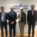 La fiscal general del Estado, María José Segarra realizó una visita institucional al Consejo General de Procuradores de España