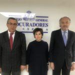 Soraya Sáenz de Santamaria visita el Consejo General de Procuradores de España