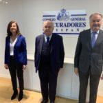 El presidente del Tribunal Constitucional, Juan José GonzálezRivas realiza una visita institucional al Consejo General de Procuradores de España